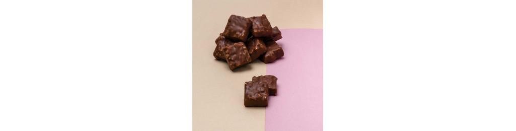 rochers pralinés (noisettes du Piémont) enrobés de chocolat au lait